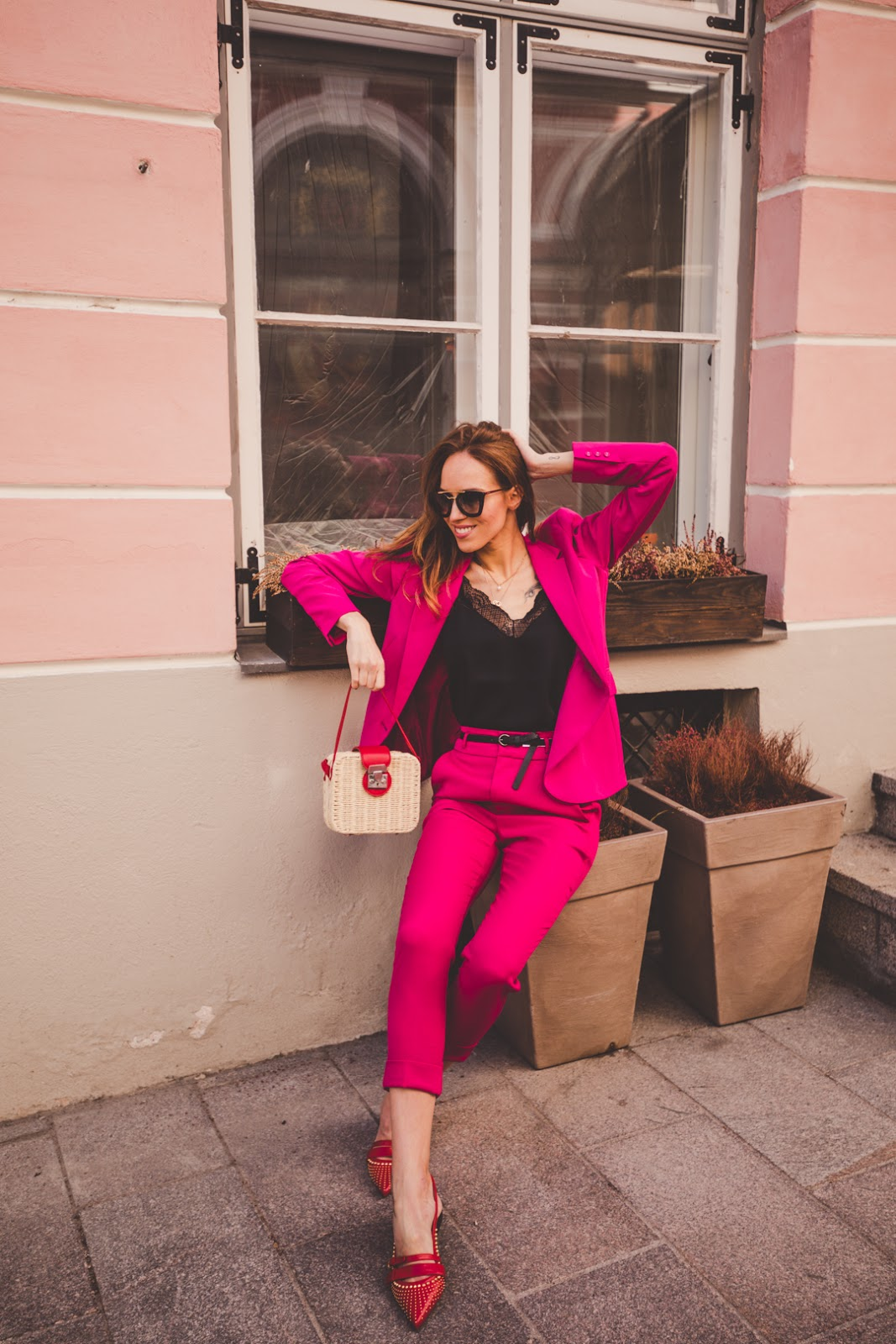matching suit straw bag spring trend outfit