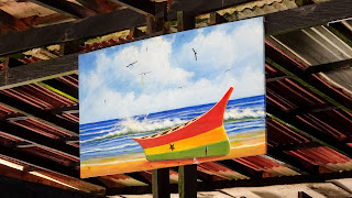 In Cape Coast are many boats captured in art