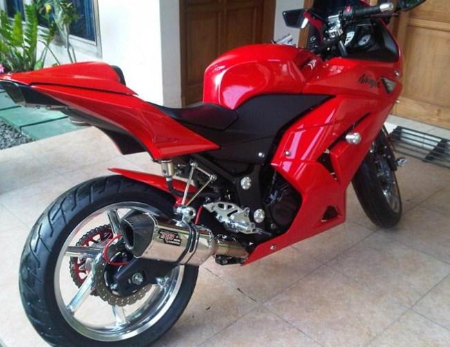 Kawasaki Motor Ninja 250 Terbaru Pakai Knalpot Racing R9