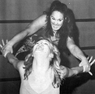 Leilani Kai putting the stretch to Desiree Petersen