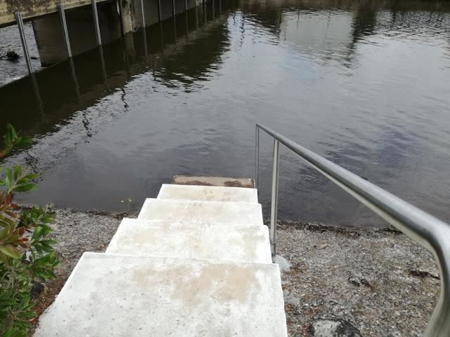 Escadas de Acesso á água para piscina de Serpins