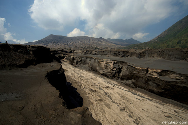 Aliran magma di lautan pasir, Kawasan Gunung Bromo