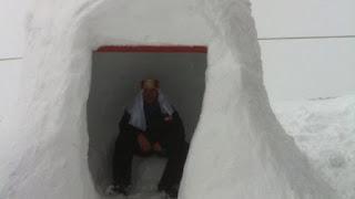 Καλάβρυτα: Έτοιμο το igloo από τους εργαζόμενους του Χιονδρομικού Κέντρου - Θα πάθετε πλάκα τι έχουν φτιάξει