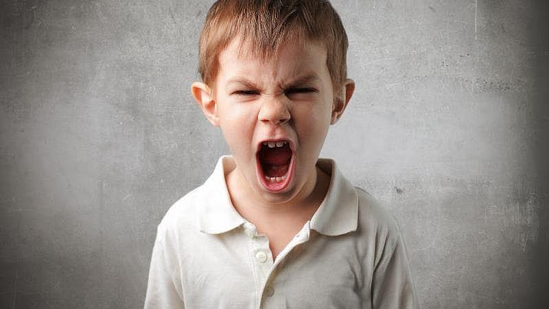 تفسير حلم رؤية الصراخ بصوت مرتفع أو بدون صوت في المنام لابن سيرين