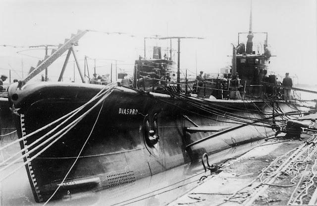Al entrar en guerra la Regia Marina estaba operando bajo una serie de  limitaciones. Aunque se dispuso de activos importantes para desafiar a la  Royal Navy ... ef6b7c78fd8