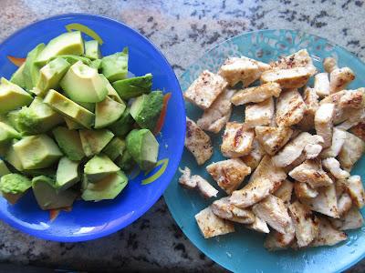 Ensaladilla de aguacate y pollo Thermomix