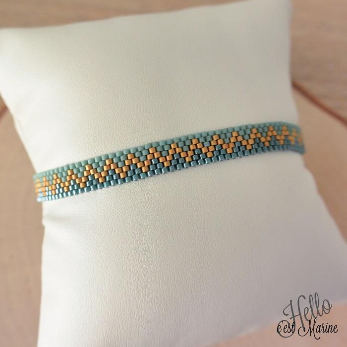Bracelet turquoise et or, tissé en peyote pair, par Hello c'est Marine