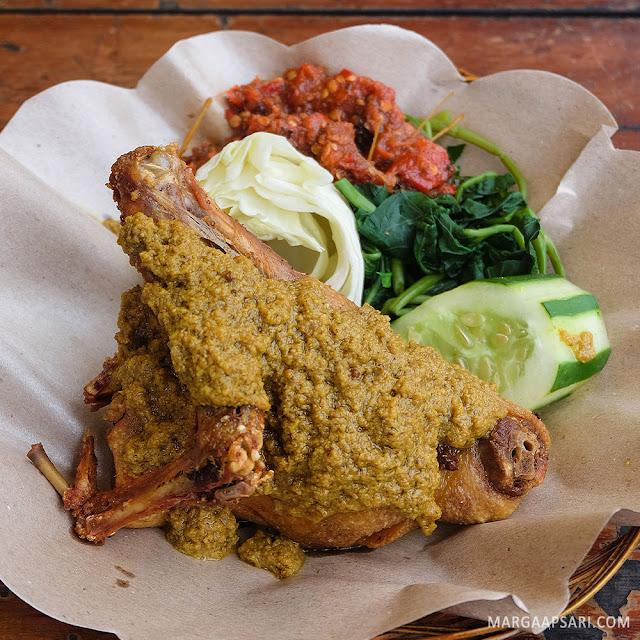 Review Warung Nasi Bebek Bu Rima Bali