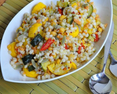 Israeli Couscous Salad with Yellow Squash & Sun-Dried Tomatoes, another easy summer salad ♥ AVeggieVenture.com. Great for Meal Prep. Vegan. Pretty Colors.