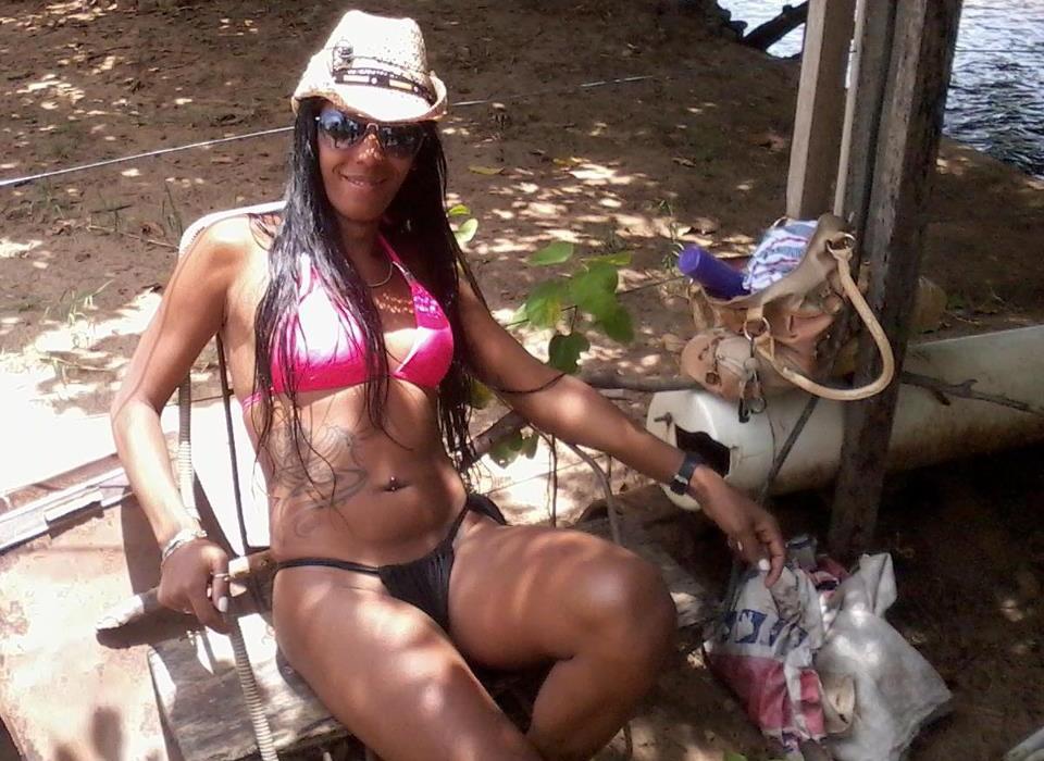 Travesti é espancada até a morte em lote abandonado no oeste da Bahia