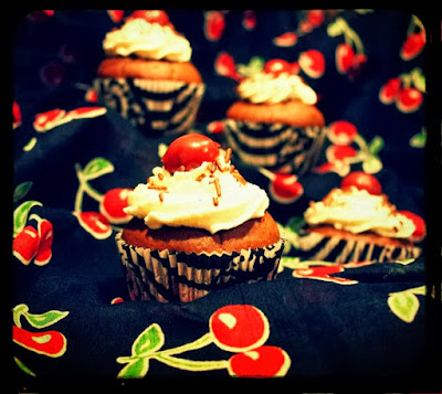 http://rock-owl.blogspot.de/2013/10/am-anfang-war-der-cupcake.html