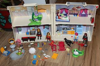 Playmobil carry away house