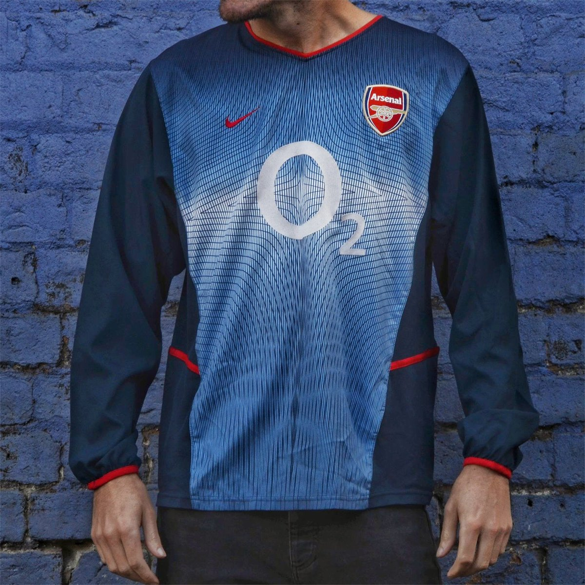 00c2a715 Between 2003 and 2005, Arsenal had one of the greatest teams the Premier  League has ever seen - the 2002-04 away kit was also worn in the season  when they ...