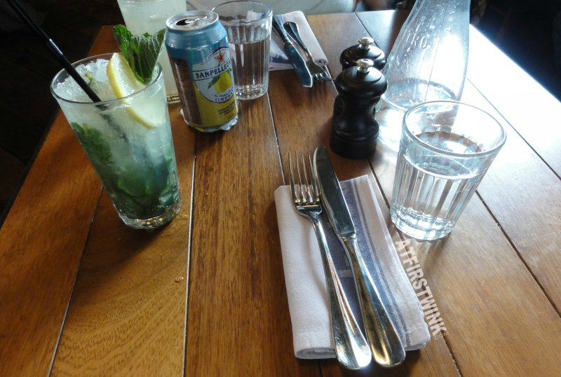 Jamie's Italian markthal Rotterdam wooden table pepper salt shakers cutlery