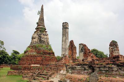 Des vestiges de l'ancienne capitale d'Ayutthaya en Thaïlande