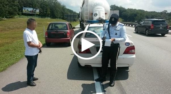 [VIDEO] Ada Duit Pun Jangan Kurang Ajar Dengan Polis, Saat Seterusnya.. Lihat Sendiri!! Padan Muka!!
