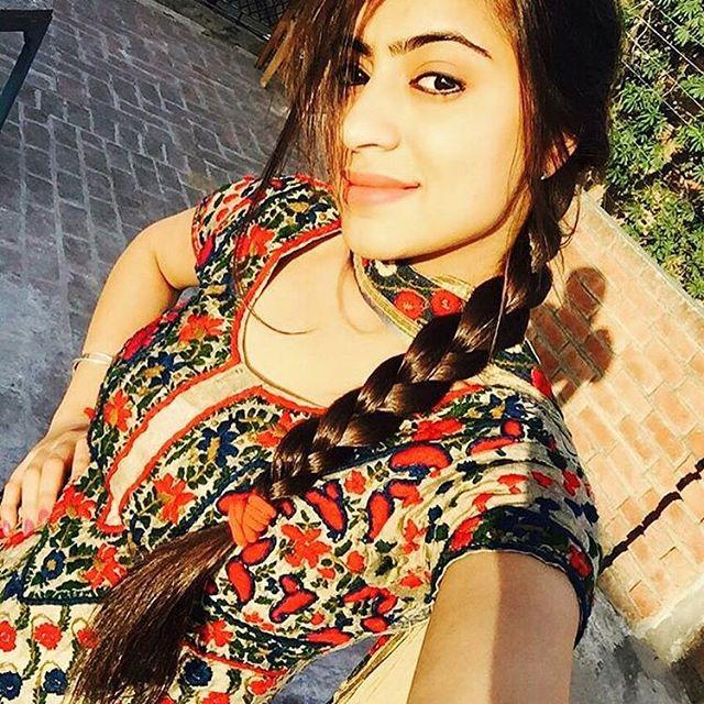 Indian School Girls Whatsapp Number Who Is Always Online -8899