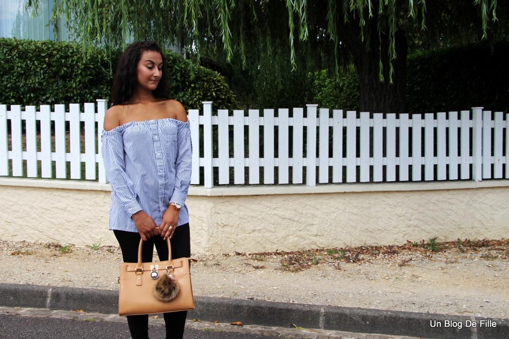 08c2ac4448 La particularité de la tenue, c'est tout d'abord le col de la chemise qui  est un col Bardot ainsi que les bottines et le sac qui sont assez stylés.