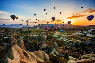 Serunya Naik Balon Udara Sambil Melihat Lembah Goreme