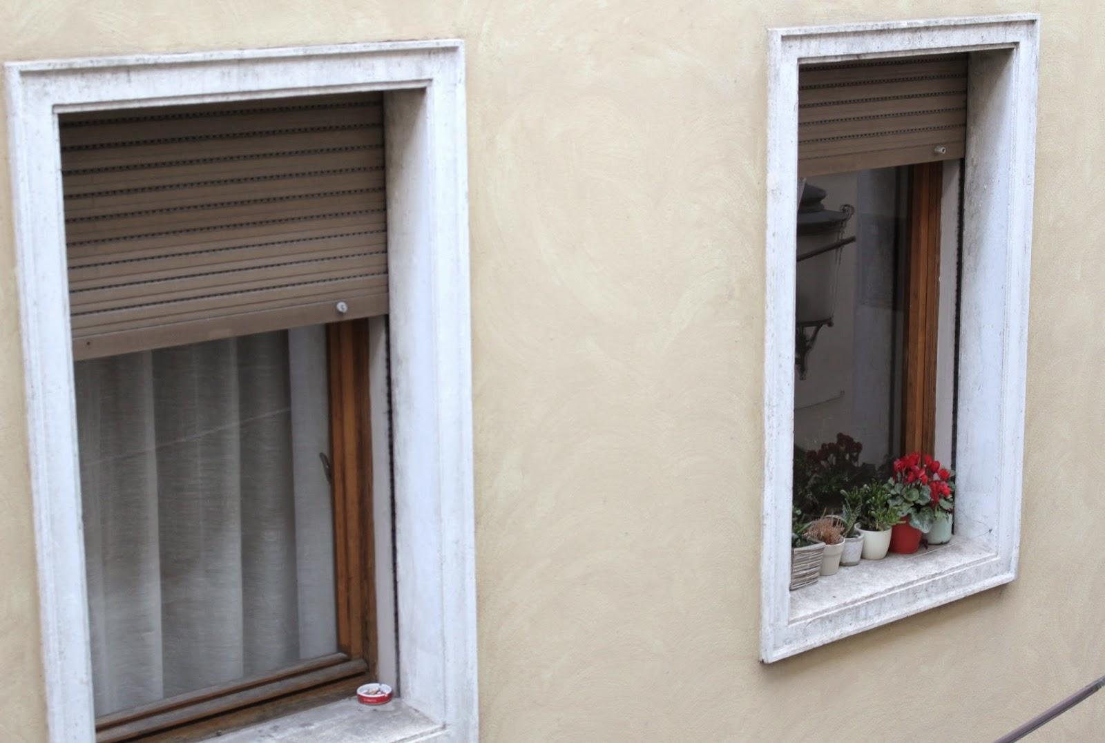 ventana-con-flores-padova