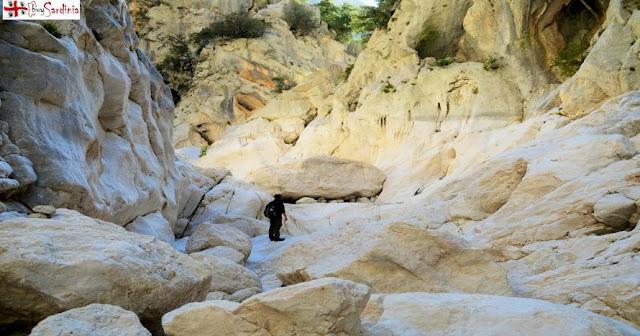 foto trekking a Gorropu con buySardinia