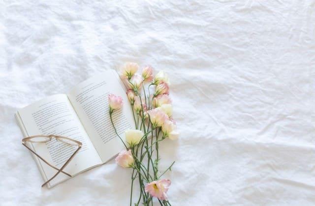 Sesekali tambah pengetahuanmu dengan membeli buku