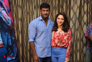Vishal and Tamannah Stills at Okkadochadu Movie Press Meet  0006.jpg