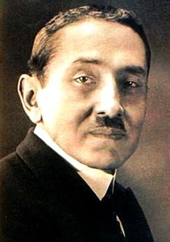 Foto de Santiago Antúnez de Mayolo con bigote