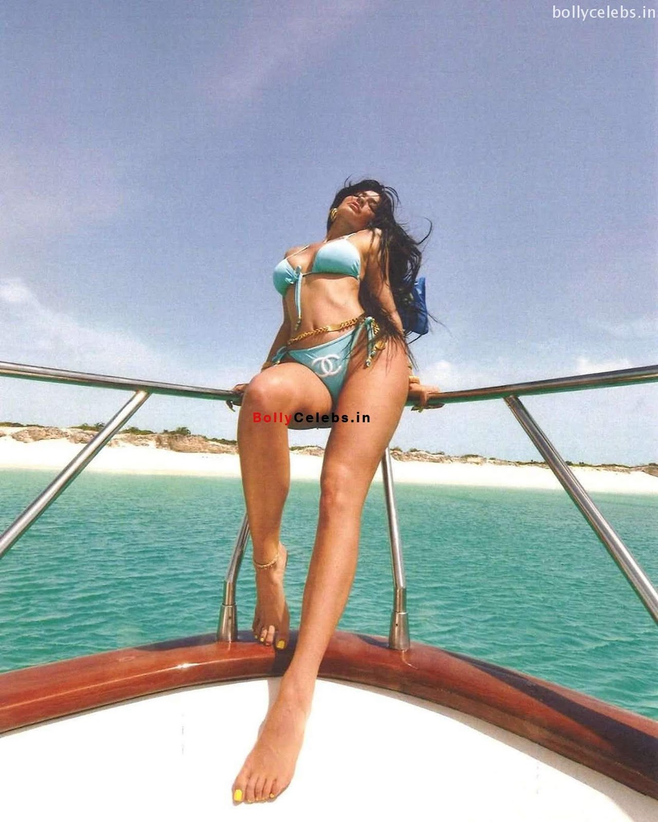 Kylie Jenner in Blue Bikini Exposing Huge ass and Boobs WOW bollycelebs.in Exclusive Pics