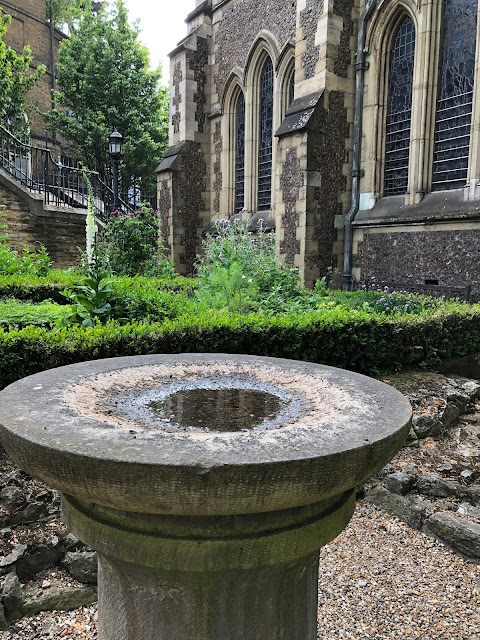 Southwark Cathedral Herb garden, foundations, pillar bird bath