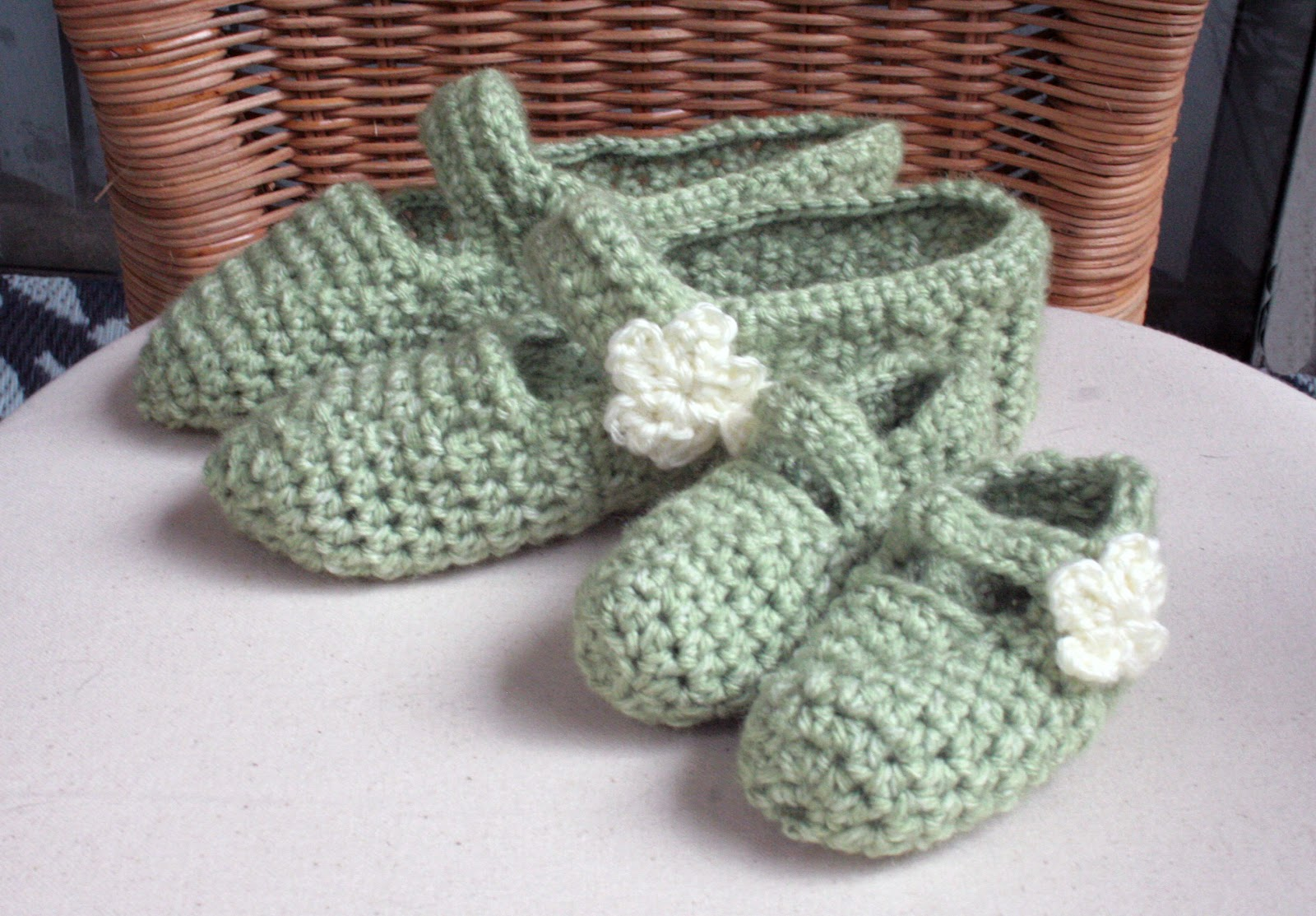 Tampa Bay Crochet: Free Crochet Pattern: Crochet Mary Jane Slippers