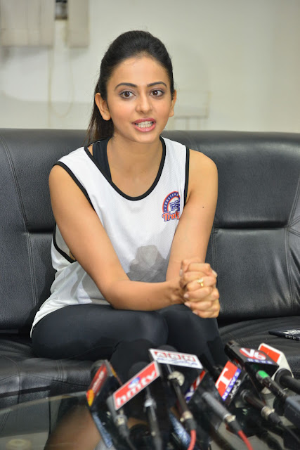 Rakul Preet at FITNESSUNPLUGGED Event in Gachibowli Photos