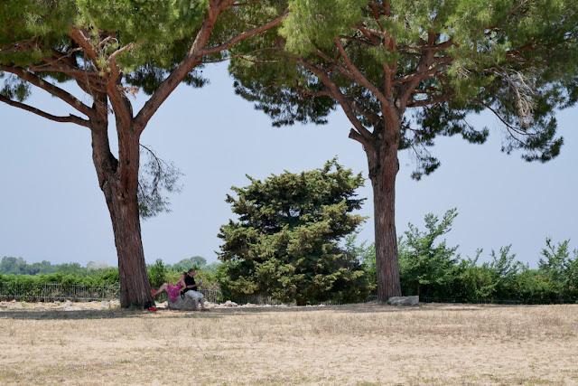 Paestum, passeggiata per gli scavi archeologici