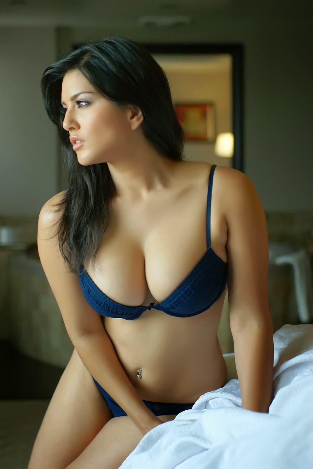 Nude photoes of malyalam chechies in black bra
