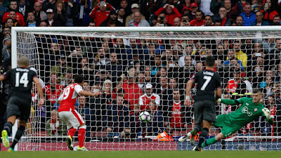 Arsenal vs Southampton: Cazorla's late penalty seals win for Gunners