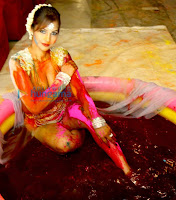 Hot Tanisha Singh celebrates Holi at Nrityavatika studio