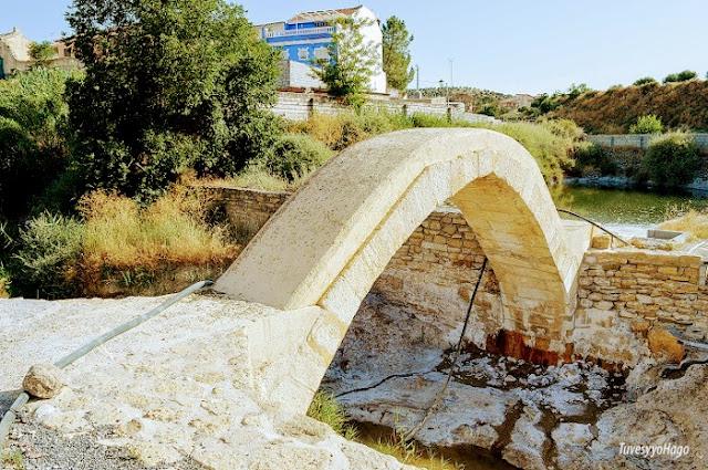 Puente romano de las Salinas de la Malahá - A una hora de Granada - TuvesyyoHago