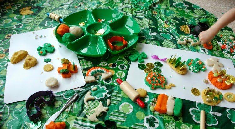 St. Patrick's Day Play Dough Tray- fine motor for kids