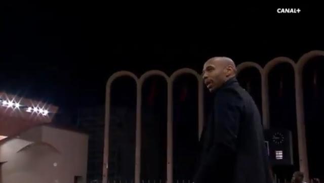 Thierry Henry craque et insulte un joueur de Strasbourg en plein match