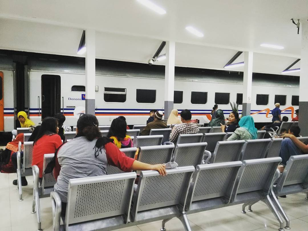 Tiket Kereta Api Tambahan Lebaran 2018 Dijual Mulai H-60