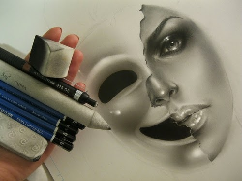 00-Rebecca-Blair-rbeccablair-Hyper-Realistic-Drawings-from-the-Heart-www-designstack-co