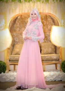 Baju pengantin muslim warna pink keren