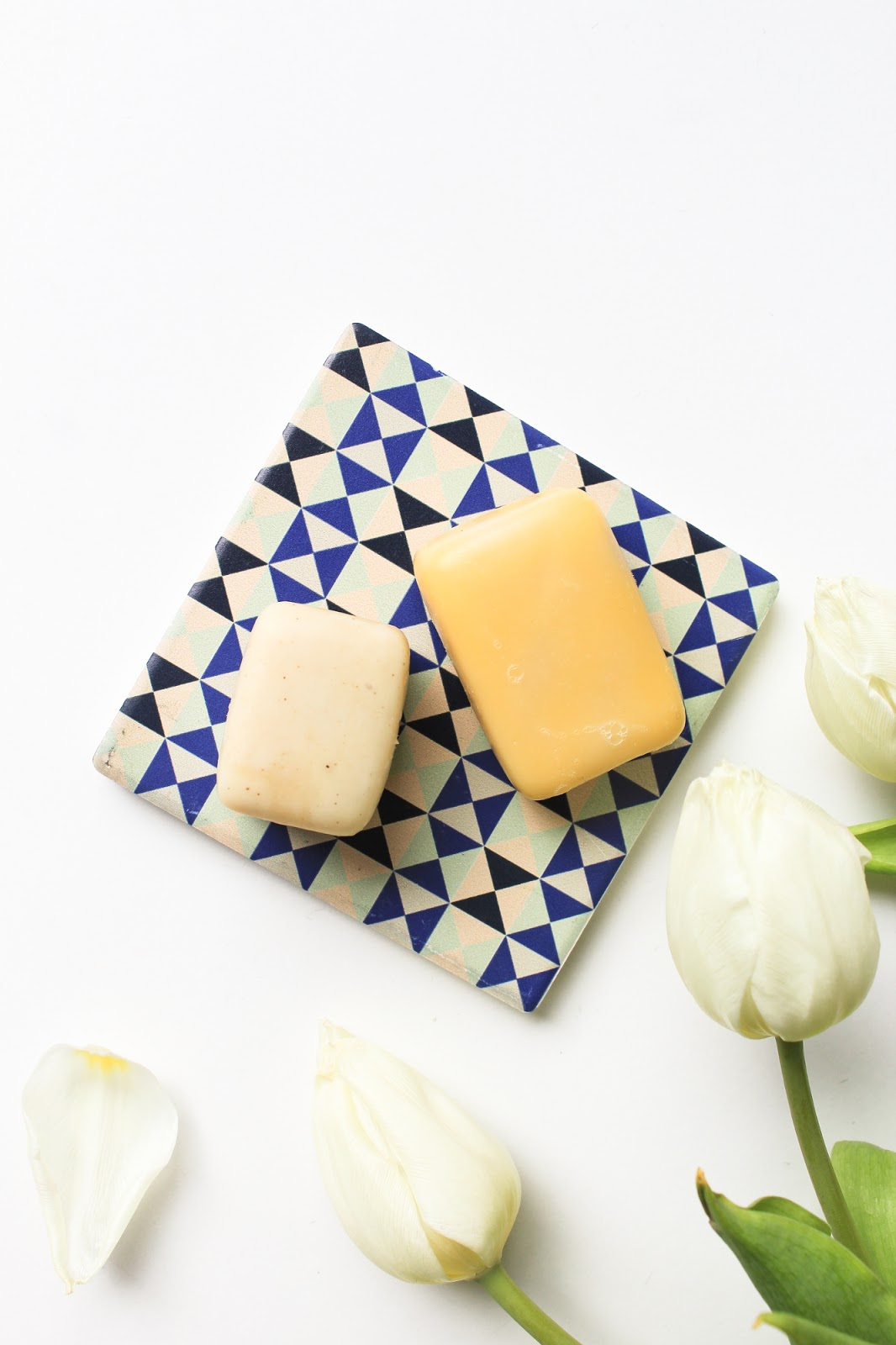 Rachel's Plan Bee Facial Cleansing Bar, Carrot & Calendula Soap Bar