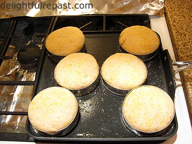 English Muffins / www.delightfulrepast.com