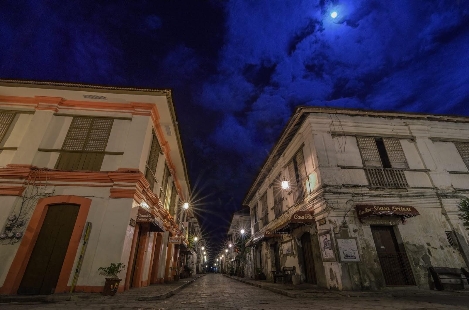Calle Crisologo Vigan City Moonlight Serenade II Philippines