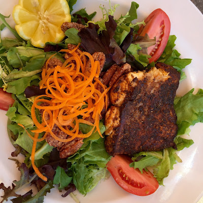Blackened Grouper Salad at Barefoot's