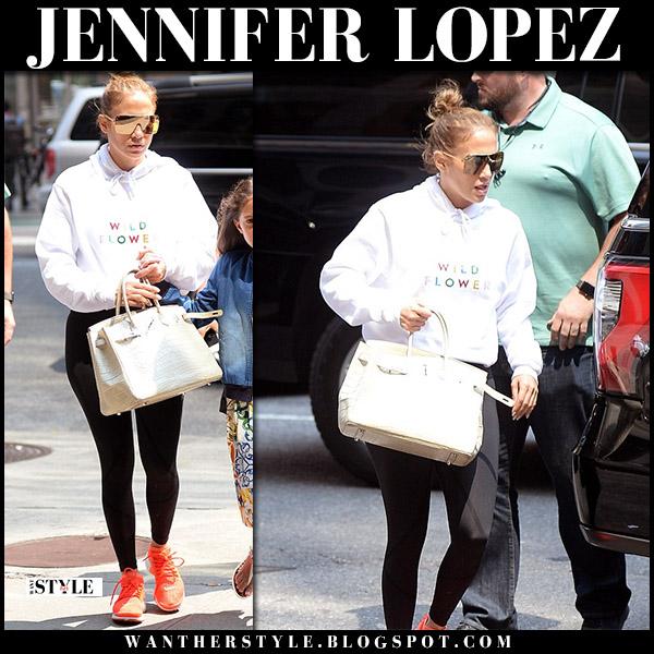 Jennifer Lopez in white hoodie, black leggings and orange sneakers nike casual street fashion august 16