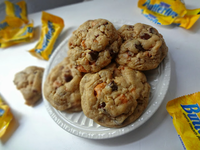 Butterfinger Peanut Butter Oatmeal Cookies