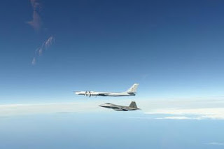 Pesawat Tempur AS Cegat Dua Bomber dan Jet Rusia di Alaska