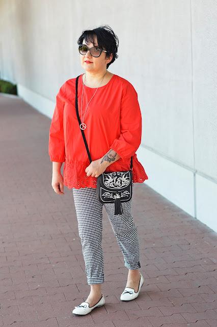Lidia Kalita, leader bag, red blouse, blogerka inspiruje na lato, summer look